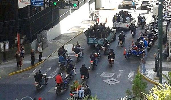 Colectivos… Los Mercenarios De La Revolución Bolivariana