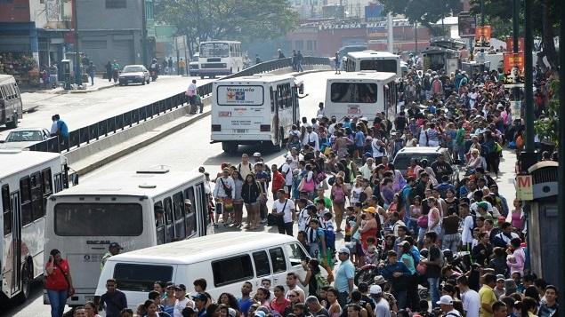 TransportePúblicoCrisis Venezuela – REUTERS