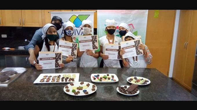 Trabajaron El Arte Del Chocolate Y Deleitaron Al Público Con Sus Demostraciones